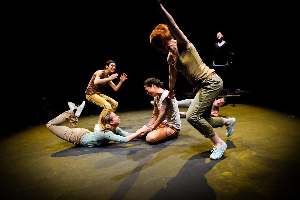 Theatre Ad Infinitum: Bucket List (c) Alex Brenner
